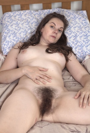 Hairy Brunette Mature Pussy